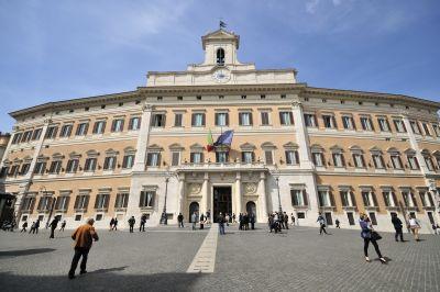 b_400_267_16777215_00_images_immagini-articoli_Montecitorio_-_panoramio.jpg